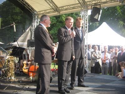 Bundespräsident Horst Köhler bedankt sich für innovative Beiträge für die Umwelt im Rahmen eines Sektempfangs