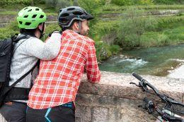 Für Newcomer auf dem Rad sind Flussrouten empfehlenswert – beispielsweise entlang von Donau, Mosel oder Weser