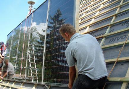 Aus dem Schieferdecker des 12. Jahrhunderts ist heute der Hightech-Handwerker Dachdecker geworden