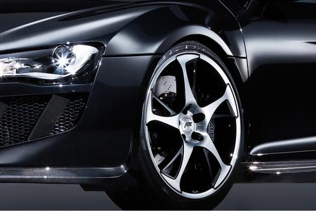 R8 schwarz Front felge