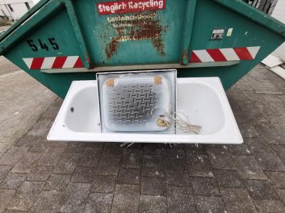 Den Weg zum Schrottplatz sparen mit Schrottabholung in Düsseldorf