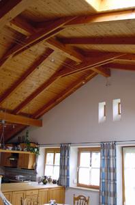 Schon bei der Planung der begehrten Wohnlage auf höchster Ebene sollte der Dachdecker involviert werden.