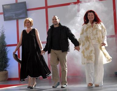 Der Züricher Designer Adam Brody bringt modische Kreationen ab Konfektionsgröße 38 auf den Laufsteg in Halle A3. Die Modenschau ist täglich um 13 und 15 Uhr, an den Wochenenden zusätzlich um 11 Uhr zu sehen