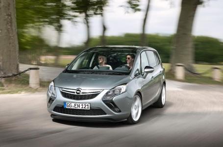 Satte Leistung: Mit 147 kW/200 PS und 300 Newtonmeter maximalem Drehmoment (per Overboost) ist der neue Opel Zafira Tourer 1.6 SIDI Turbo der stärkste Kompaktvan auf dem Markt