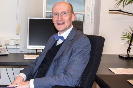 Wirtschaftspsychologe Prof. Dr. Uwe Kanning von der Hochschule Osnabrück zählt zu den Professoren des Jahres 2015 / Das Absolventenmagazin Unicum Beruf wählte den Experten für Personalwesen auf den dritten Platz