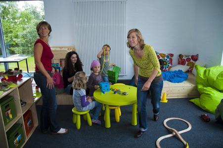 Farbenfroh und einladend - die Lernlandschaft für Eltern mit Kind