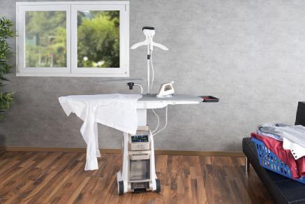sichler haushaltsger te aktiv b geltisch mit watt dampfb gelstation und dampfb rste. Black Bedroom Furniture Sets. Home Design Ideas