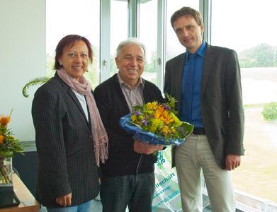 Empfang für den DAAD-ERASMUS-Individualpreisträger Prof. Volker Gehmlich (mitte) mit Hochschul-Vizepräsidentin Prof. Dr. Marie-Luise Rehn (li.) und Hochschul-Präsident Prof. Dr. Andreas Bertram (re.)