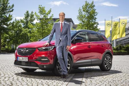 Announcement: Opel CEO Michael Lohscheller announced that the Opel Grandland X will be built in Eisenach as of mid-2019