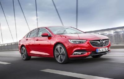Auf der Überholspur: Für den neuen Insignia konnte Opel bereits mehr als 100.000 Bestellungen verzeichnen (Bild: Insignia Grand Sport)