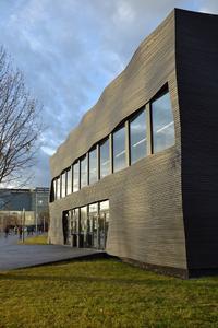 Die neue Welle: Wer sagt eigentlich, dass Fassadensysteme und energetische Optimierung langweilig sein müssen?