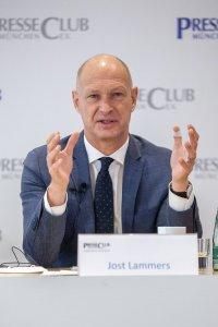 Jost Lammers im PresseClub / Copyright: Flughafen München