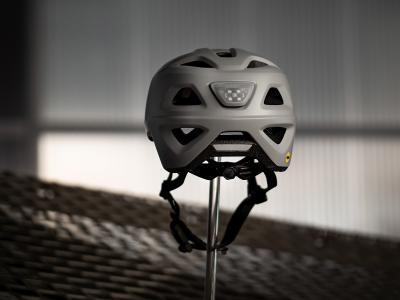 MET Mobilite Back