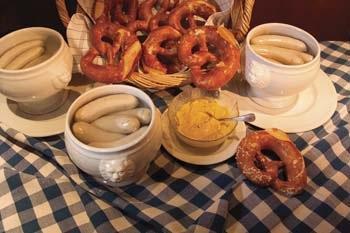 traditionelles Weisswurstfrühstück