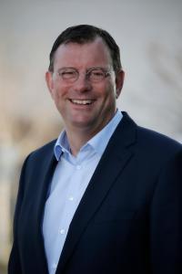 Geschäftsführer PEUGEOT Deutschland Haico van der Luyt zur e-Mobilität der Zukunft.