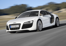 "Audi R8 V10 ist ""World Performance Car 2010"""