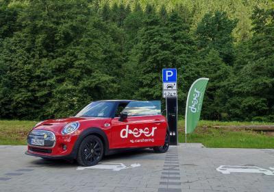 Eröffnung der neuen deer e-Carsharing-Ladesäule in Höfen an der Enz.