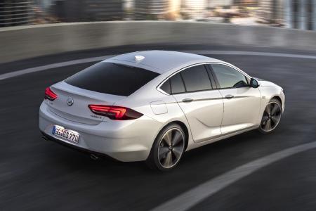 Verkaufsstart für den neuen Opel Insignia / Der komplett neue Opel Insignia Grand Sport: Deutlich leichter und dynamischer, mit einem cleveren Package und ausschließlich Antrieben der jüngsten Generation