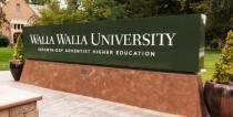 Eingangsbereich der Walla Walla Universität im Bundesstaat Washington/USA