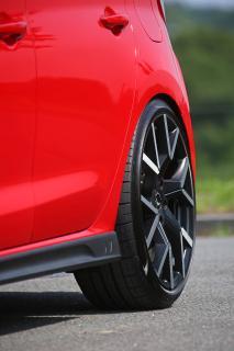 Barracuda Tzunamee EVO am Hot Hatch-Shooting Star Hyundai i30 N
