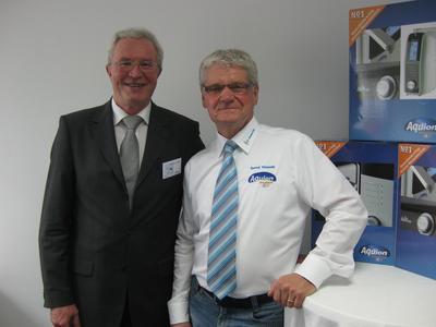 Geschäftsführer Gottfried Röttel im Gespräch mit Teampartner Bernd Wessels
