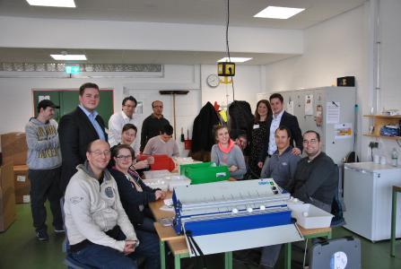 Auszubildende der Taunus Sparkasse haben für Woche die Menschen in den Oberurseler Werkstätten unterstützt und damit Arbeit auf eine besondere Weise erlebt