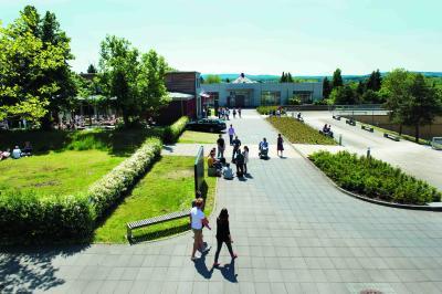 95 Prozent der befragten Masterstudierenden bewerten das soziale Klima zwischen Studierenden und Lehrenden an der Hochschule Osnabrück als gut bzw. sehr gut / Foto: Oliver Pracht