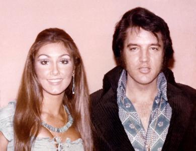 Elvis Presley mit seiner Lebensgefährtin Linda Thompson