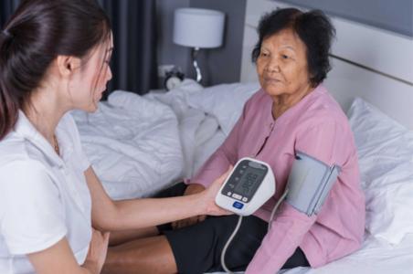 Ein neues EU-Projekt will effektive Prävention gegen Bluthochdruck und Diabetes in Südostasien massiv ausweiten. Passauer Forscher liefern Werkzeuge, mit denen sich die Wirkung und Kosteneffizienz vorhandener Maßnahmen messen lassen / Foto: obx-news/Universität Passau/Colourbox