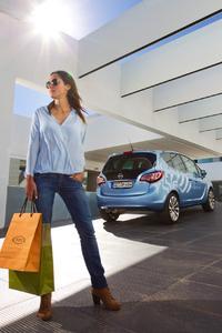 Flexibilitäts-Champion: Der Opel Meriva eignet sich mit seinen vielen intelligenten Verstaumöglichkeiten und der variablen Sitzplatzkonfiguration zum Großeinkauf genauso wie zum Ausflug mit der ganzen Familie © GM Company