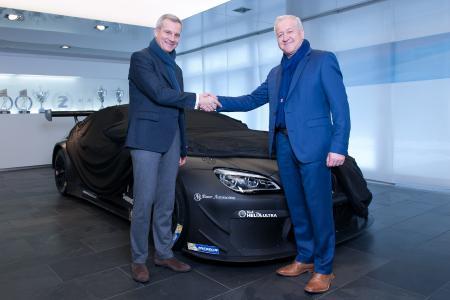Jens Marquardt, BMW Motorsport Direktor, Hans Tekeser, Geschäftsführer von Alzner Automotive