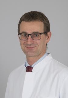 Dr. Bernd Krieg ist seit. 1. Januar 2018 neuer Leiter der Sektion Obere Extremität am Orthopädischen Universitätsklinikum  Bad Abbach / Foto: Asklepios Klinikum Bad Abbach