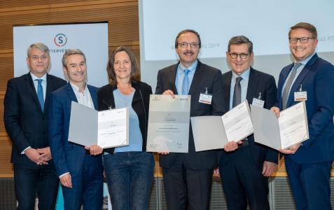 Die Delegation der Hochschule für Wirtschaft und Gesellschaft Ludwigshafen bei der Auszeichnung am Montag, 25. März 2019, in Berlin (Bildnachweis: David Ausserhofer/Stifterverband)