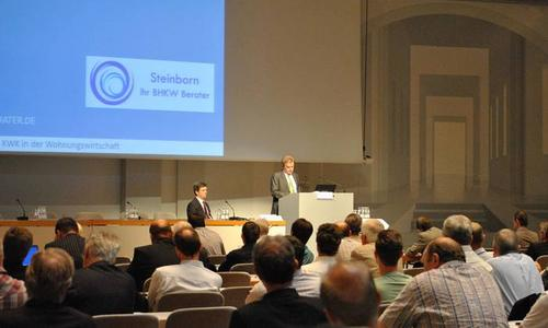Franz Untersteller, Mdl, Umweltminister BW, begrüßt die Teilnehmer