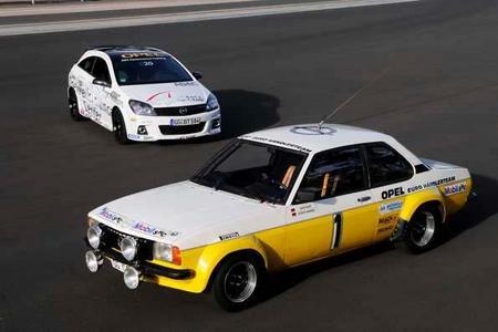 Der Opel Ascona B, Baujahr 1979, holte aus 2-Liter Hubraum 186 PS und erreichte, je nach Übersetzung, Höchstgeschwindigkeiten zwischen 150 und 200 km/h. Der aktuelle 2.0-Liter Astra OPC im Hintergrund leistet 240 PS und ist 244 km/h schnell