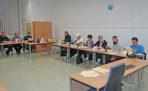 Die Gesellenprüfungskommission traf sich zur Jahreskonferenz.