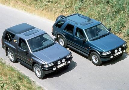 Nimm zwei mit vier: 1991 zielt Opel mit dem Frontera in die Nische der allradgetriebenen Freizeit-Automobile - einem Wachstumsmarkt in Europa