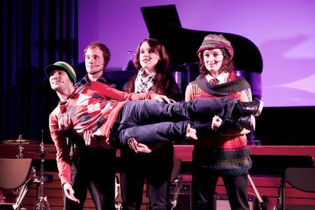 "Preisträger in der Kategorie Musical: Die ""Letzte Gruppe"" / Fotografin: Aileen Rogge"