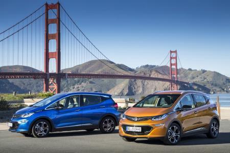 Eyecatcher: Der neue Opel Ampera-e vor der Golden Gate Bridge in San Francisco
