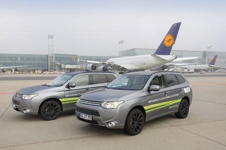 Fraport AG testet den Plug-in Hybrid Outlander