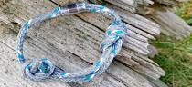 Upcycling-Armbänder aus geborgenen Geisternetzen für den Meeresschutz
