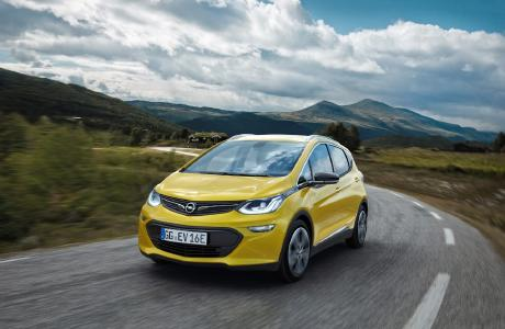Opel Ampera-e: Der Reichweiten-Champion / Keine Angst vor zu geringer Reichweite: Der neue Opel Ampera-e revolutioniert die Elektromobilität