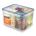 9 Liter Dose von Lock & Lock, gefüllt mit 6 Päckchen Mehl