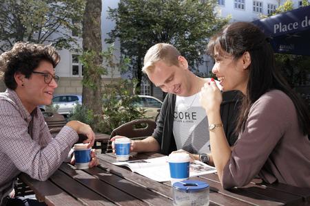 Wer im Ausland studieren möchte, sollte rechtzeitig für ausreichenden Versicherungsschutz sorgen / Foto: Württembergische Versicherung AG