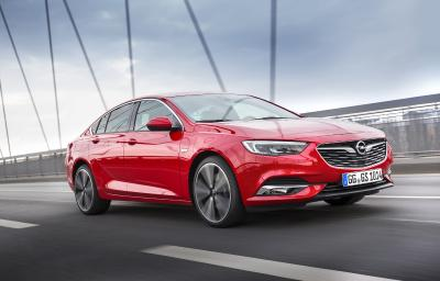 Sportlich, elegant und überaus wirtschaftlich: Der Opel Insignia glänzt mit den niedrigsten Gesamtbetriebskosten seiner Klasse