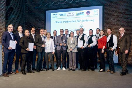 Sanierungspreis 18: Die stolzen Sieger in den Kölner Balloni-Hallen. Foto:Susanne Kurz