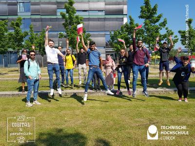 Geschafft! - große Freude bei den neuen LINKplus-Absolvent*innen, Foto: Bahram Achmedi