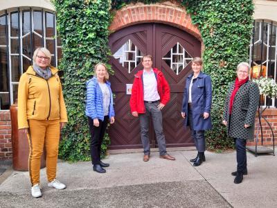 Neuer Vorstand des Städtevereins von rechts nach Links: Ulrike Köppel, Jeannette Kreyßel, Sebastian Keßler, Nancy Krug und Maria Ludwig