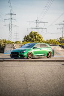 Cor.Speed Sports Wheels Europe: Hyundai i30 N as a deep airride show car on Cor.Speed Kharma