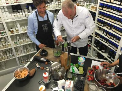 Award-winning chef Torsten Götz cooks at Jüstrich Cosmetics for KitchenCase